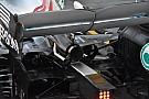 Formula 1 Mercedes: scarico centrale carenato e braccio della sospensione a diapason