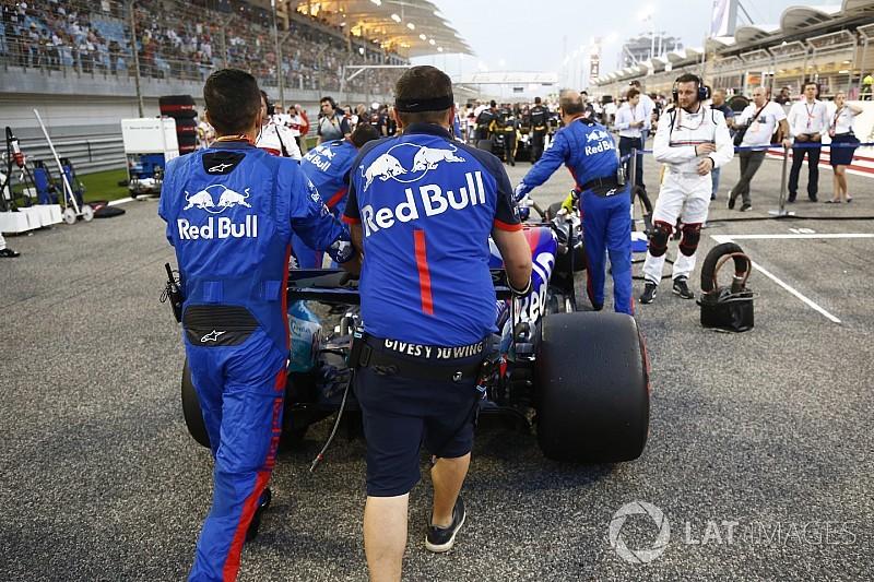 Perez e Hartley discordam sobre erro na volta de alinhamento