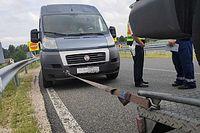 Nehéz lenne ennél kevésbé biztonságos vontatási módszert elképzelni
