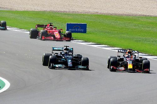 Jacques Villeneuve: Poin Tak Mencerminkan Situasi Aktual Lewis Hamilton