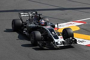 Haas defiende su 'controvertido' cambio de color