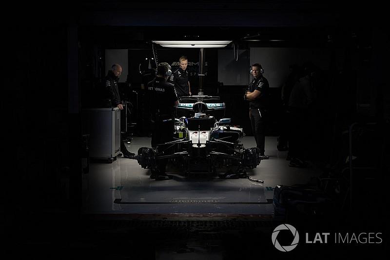 A divatikon a Mercedes garázsában