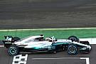 Формула 1 В Mercedes объяснили появление голубых линий на новой машине