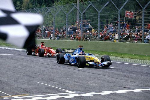 Videó: Michael Schumacher felejthetetlen imolai harca Alonsóval 2005-ből