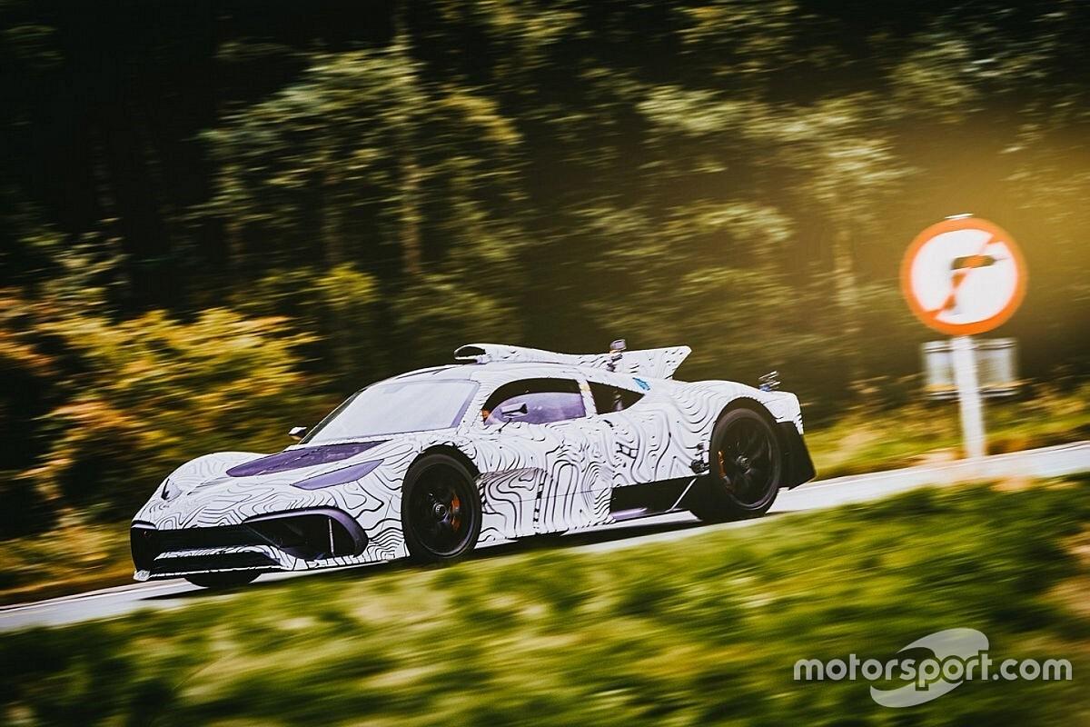 Галерея: перші дорожні тести гіперкара Mercedes-AMG Project One