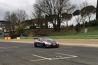 Lucas Di Grassi in azione a Vallelunga sulla Tesla da corsa!
