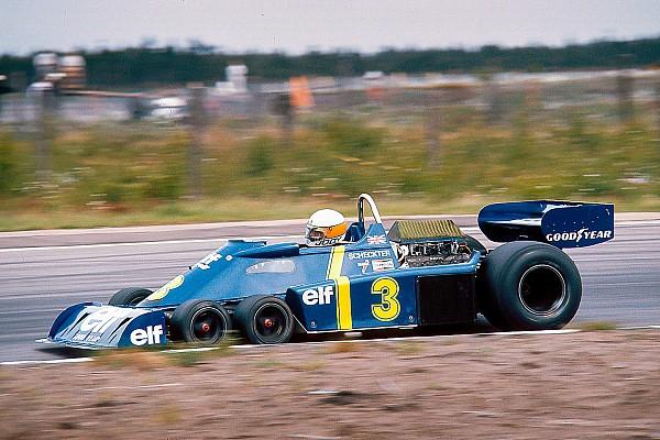 Három F1-es festés egy modern versenygépen: Ford, Lotus, Tyrrell