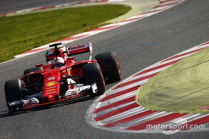 "Formel-1-Tests 2017: ""Ferrari blufft"", meint Lewis Hamilton"