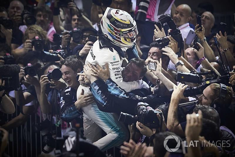 Hamilton újabb kegyetlen hétvégéje a Forma-1-ben: tökéletes