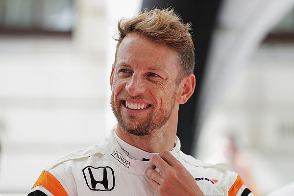 Super GT Button considering full-time racing return for 2018