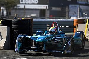 Fórmula E Relato de testes Turvey volta a liderar teste em Valência; Di Grassi é 8º