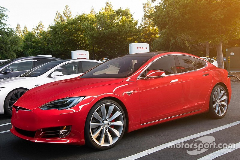 La Tesla P100D plus rapide qu'une hypercargrâce à une fonction cachée