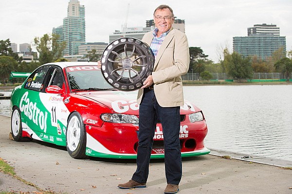 Supercars Breaking news New Supercars trophy for Australian Grand Prix unveiled