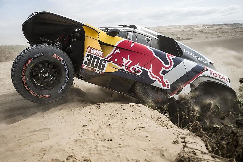 Solo tres Peugeot y Al Attiyah luchan por el liderato cuatro días después
