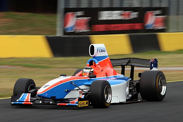Young stars sample Formula Thunder 5000 car at Phillip Island