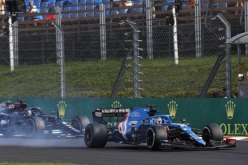 Mercedes 'abre la veda' de los memes con Alonso por su duelo con Hamilton