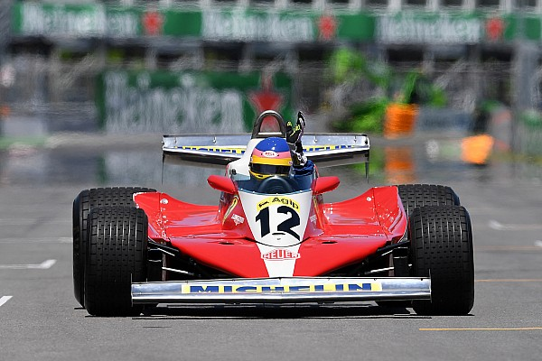 Photos - Jacques Villeneuve au volant de la Ferrari de Gilles
