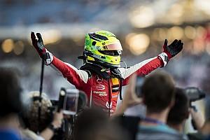"Wolff: ""Schumacher kan één van de groten worden"""