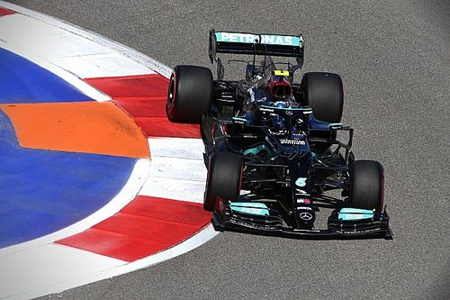 F1 Russian GP: Bottas leads Mercedes 1-2 in FP2, Giovinazzi crashes