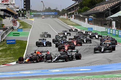 """Hamilton s'est """"assuré"""" de laisser de la place à Verstappen au départ"""