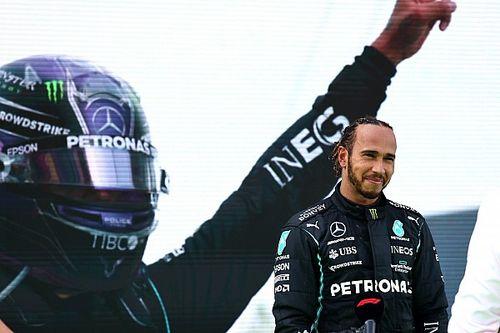 Hamiltont alázattal töltik el egyik gyerekkori hősének méltató szavai