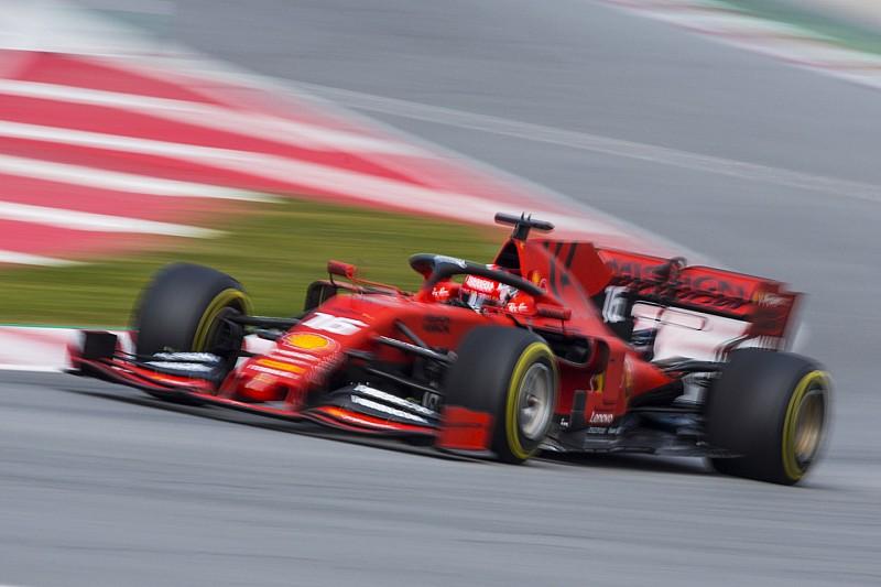 Hamilton akui Ferrari tampak sangat kuat