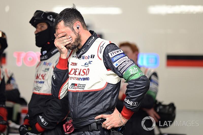 «24 часа Ле-Мана». 11-й час: Porsche лидирует, все Toyota сломались
