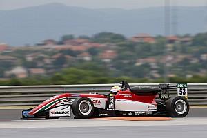 Евро Ф3 Отчет о гонке Илотт выиграл вторую гонку Ф3 в Венгрии