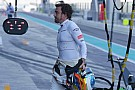 Elstartolt a 24 órás gokartverseny, Alonso is ott van
