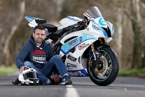 William Dunlop muere en un accidente en la Skerries 100