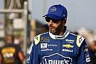 NASCAR Cup Johnson diz que não vai se ajoelhar durante hino americano