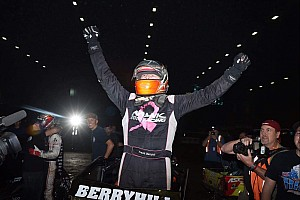 Midget Breaking news Chili Bowl Nationals: Berryhill takes upset victory in Wednesday night qualifier