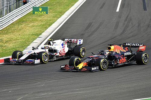Schumachert meglepte, hogy ilyen sokáig maga mögött tudta tartani a gyorsabb autókat