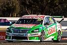 Supercars Ошибка лидера принесла Nissan первую за два года победу в Supercars