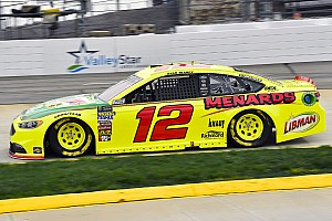 NASCAR Cup Race report Ryan Blaney holds off Bowyer to win Stage 2 at Martinsville