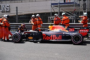 Verstappen acepta la culpa de su accidente en Mónaco