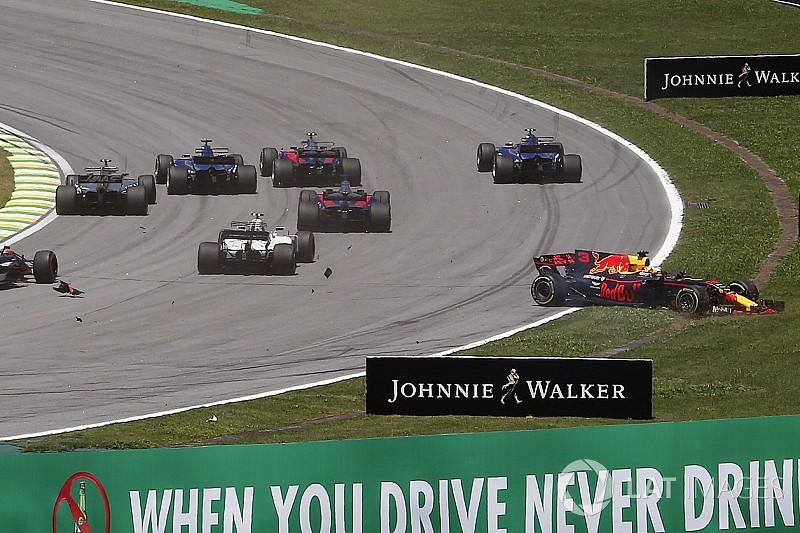 Magnussen diz não ter visto Ricciardo antes do toque