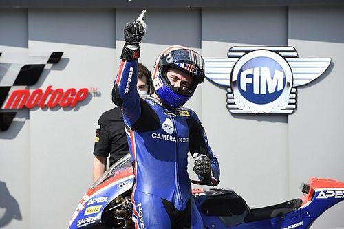 Moto2 - Brno: Joe Roberts reaparece para llevarse la pole