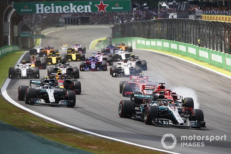 Verstappen grijpt naast zege in Brazilië na incident met Ocon, Hamilton profiteert