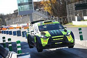 GALERI: Rossi beraksi di Monza Rally Show 2018