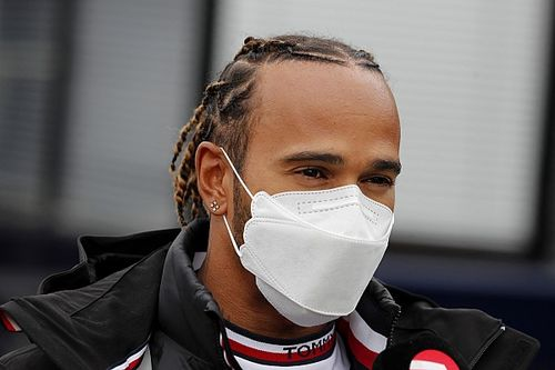 Hadapi Red Bull, Hamilton Takkan Ubah Taktik