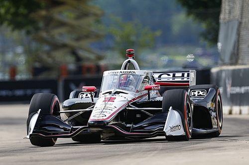 Detroit IndyCar: Newgarden takes brilliant pole, Ferrucci shunts