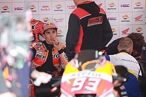 Marquez, Rossi'den özür için gittiği Yamaha garajından kovuldu!