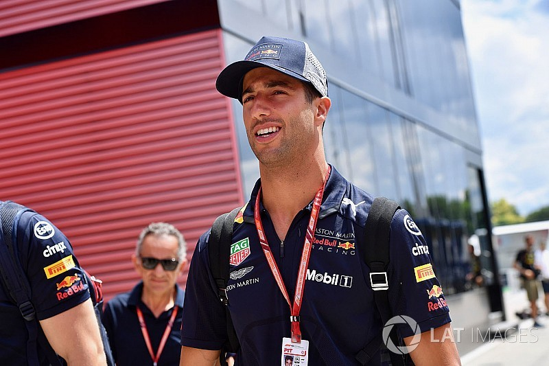 Ricciardo to get new race engineer if he stays at Red Bull