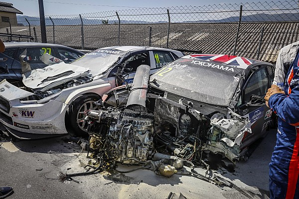 WTCR Breaking news Huff and Bennani's VWs written off in Portugal crash