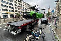 Elektromos autónak képzelte magát egy Lamborghini Huracan EVO Spyder, aminek trélerre helyezés lett a vége
