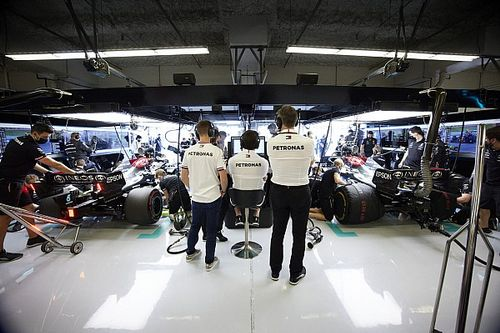 Wolff denies Cowell departure behind Mercedes F1 engine struggles