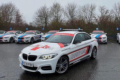Twee safety cars gestolen van circuit in Engeland