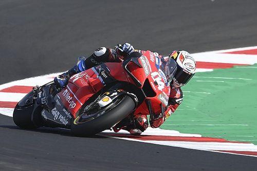 Dovizioso aún sufre al momento de frenar con la Ducati