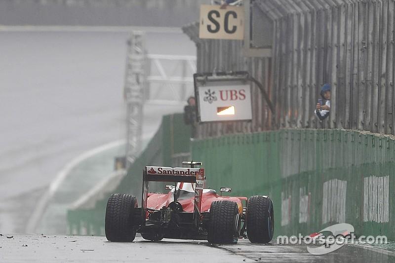 Гран При Бразилии остановлен после аварии Райкконена